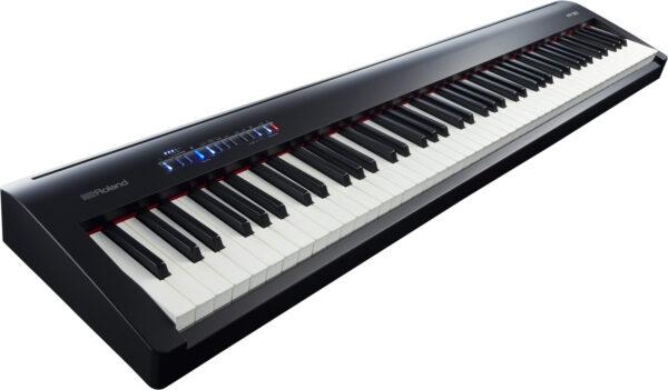 Roland FP-30 digitální stage piano